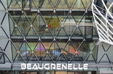Construction Centre Commercial Beaugrenelle. 22 Oct 2013. Paris 75015 apsys
